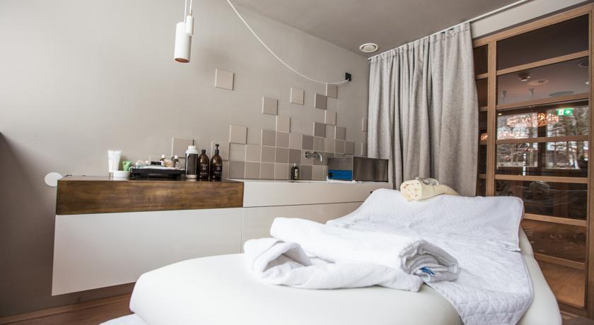 Overnachten in een design hotel for Designhotel walliserhof